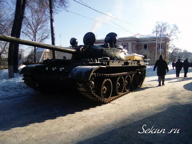 Танк в петровском